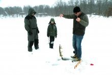 Ice fishing Shover