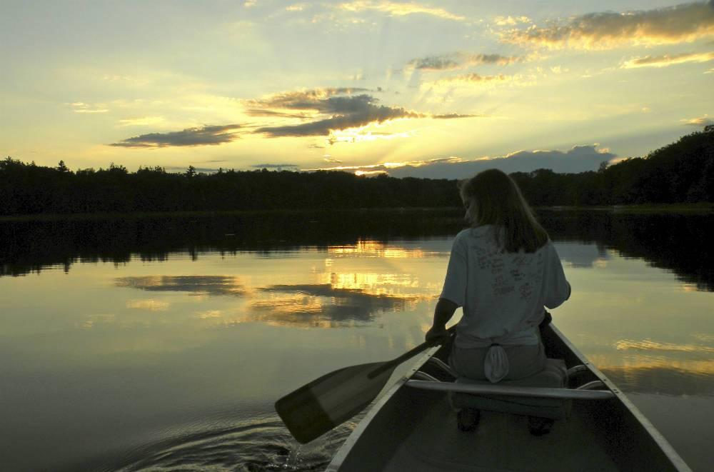 Dusk canoeing Shover