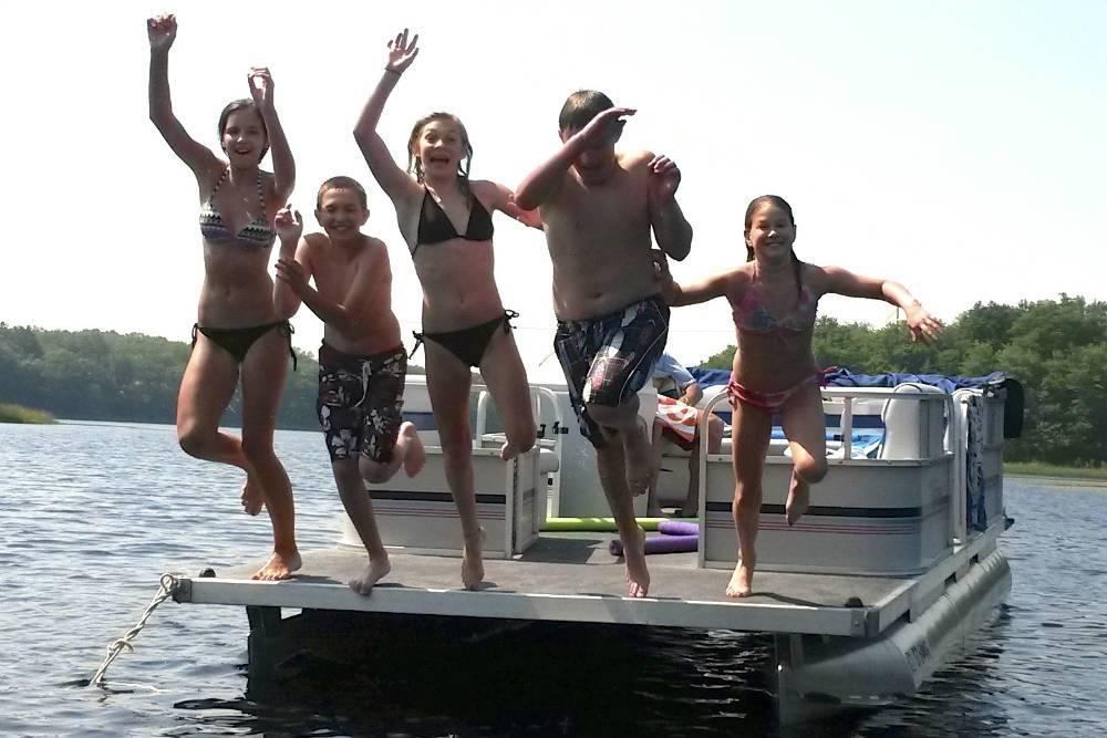 Kids on pontoon, Suzanne
