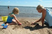 Beach time Shover